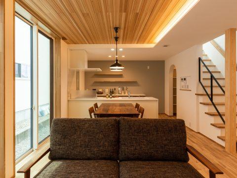 W断熱×プレウォールの高性能住宅