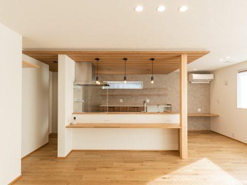 カフェ風キッチン ナチュラルでかわいい家